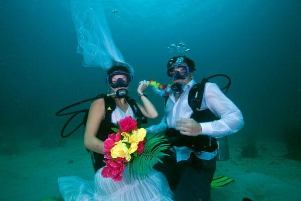 Как отметить свадьбу необычно