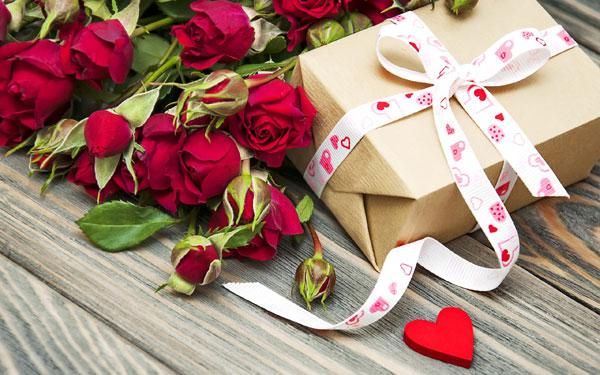 Что значат розы в подарок